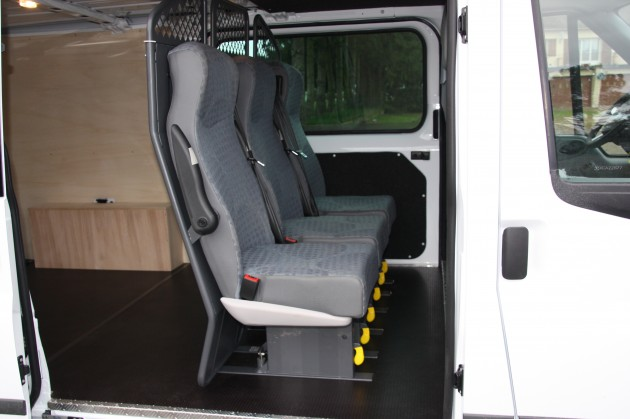 professionnels ford transit mp cabine approfondie. Black Bedroom Furniture Sets. Home Design Ideas